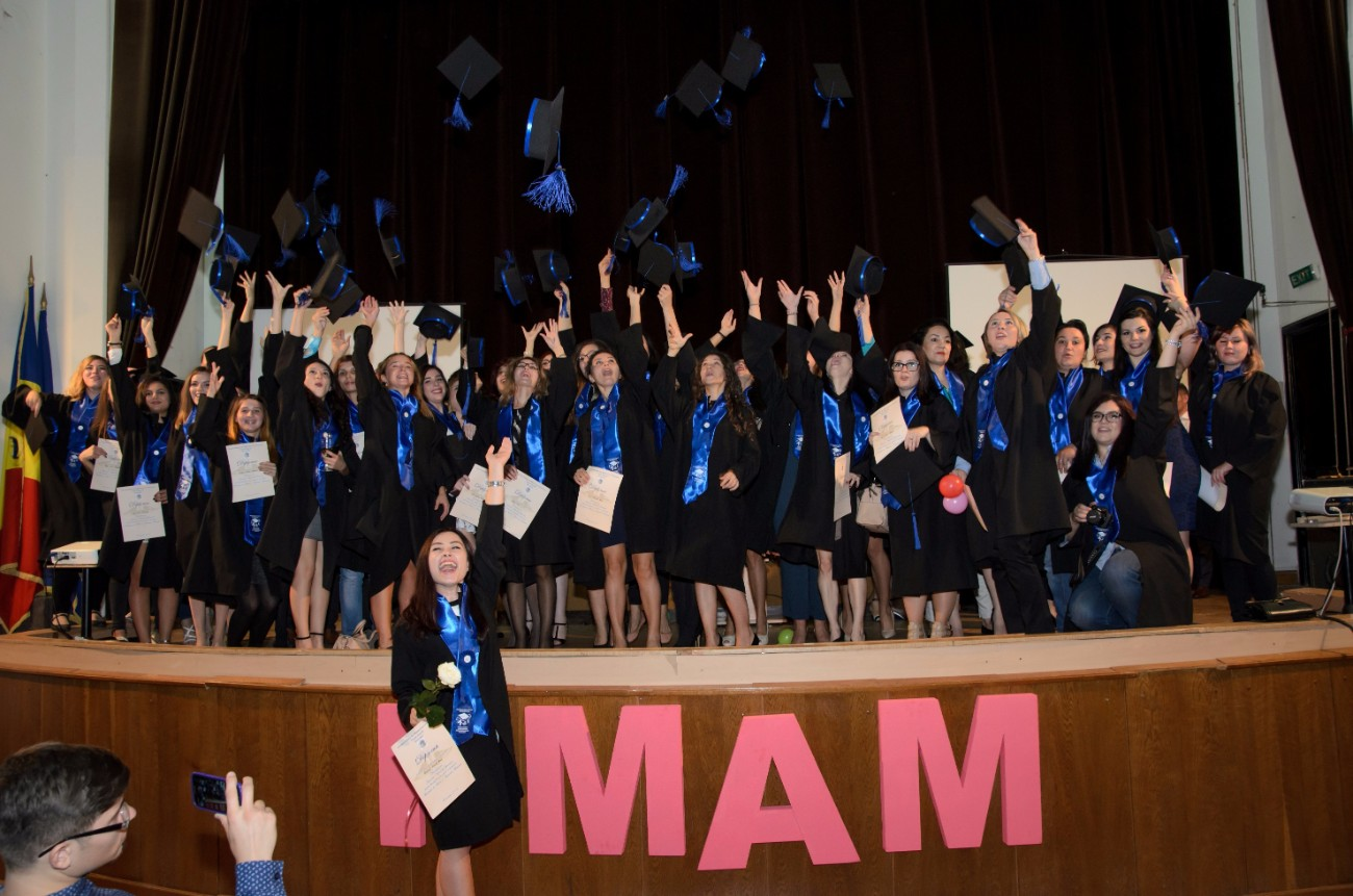Inchirieri robe absolvire